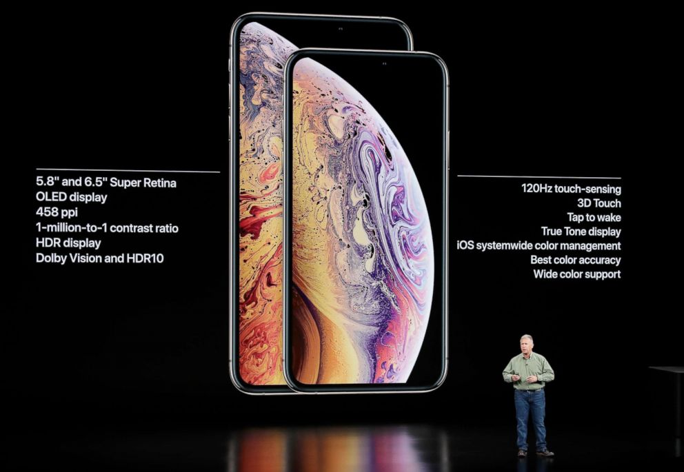 FOTO: Phil Schiller, Manzanas vicepresidente senior de marketing mundial, habla sobre el iPhone de Apple XS y el iPhone de Apple XS Max en el Steve Jobs de Teatro durante un evento para anunciar los nuevos productos de Apple miércoles, Sept. 12 de 2018, en Cupertino, California.