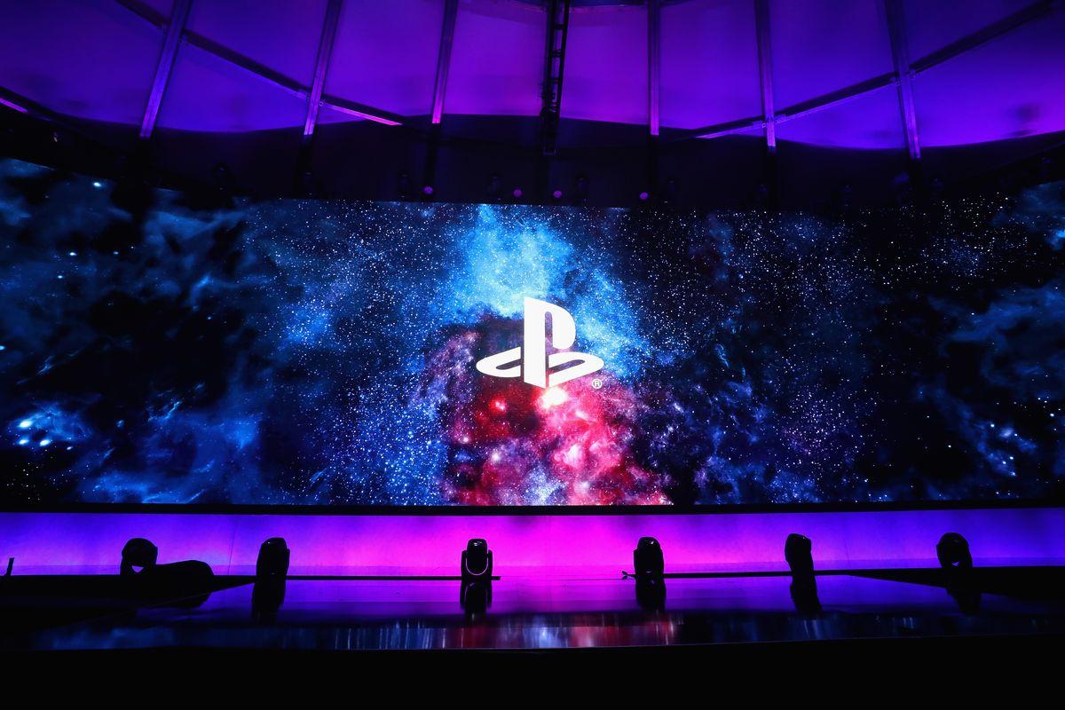 Logo de PlayStation dentro de una conferencia del E3
