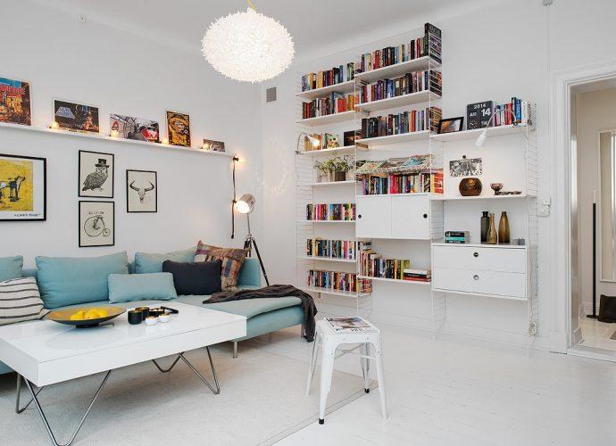 Habitación blanca que transmite tranquilidad y afecta en el subconsciente