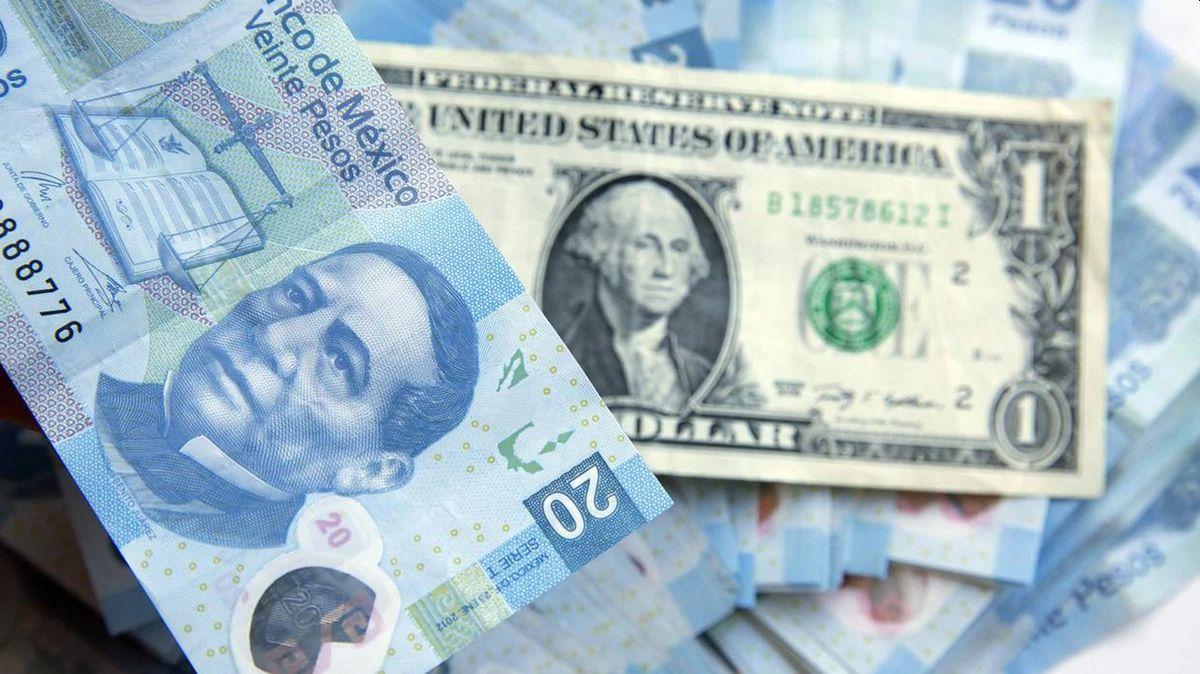 El peso mexicano se devalúa de forma histórica