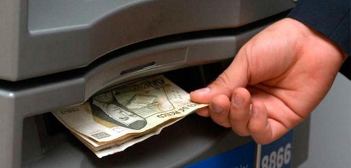 ¿Disponer de efectivo con una tarjeta?