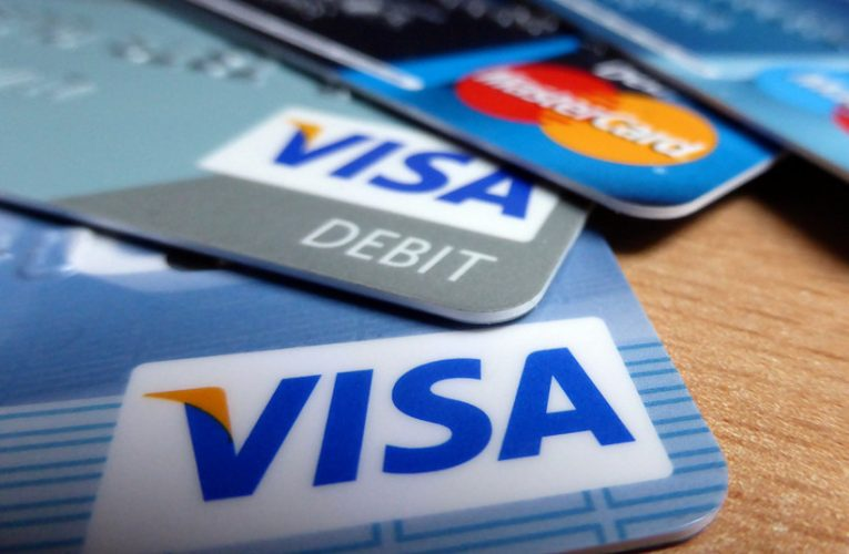 Cómo escoger tu tarjeta de débito