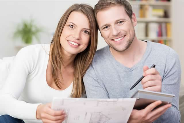 Personas aprendiendo cómo generar historial crediticio