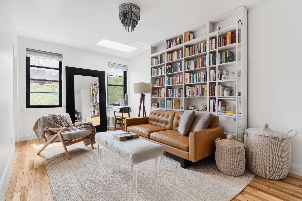 casa en venta por agencia inmobiliaria