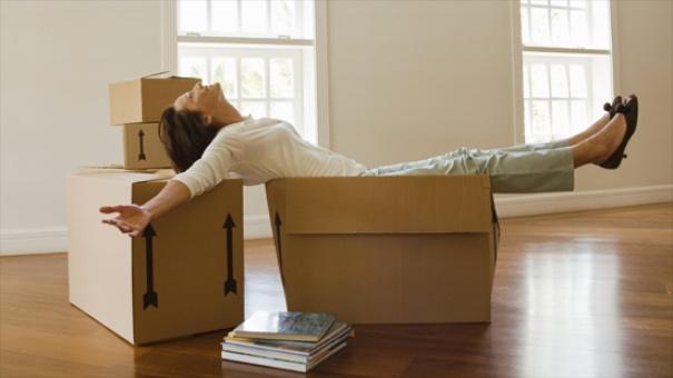 mujer se compra casa con hipoteca